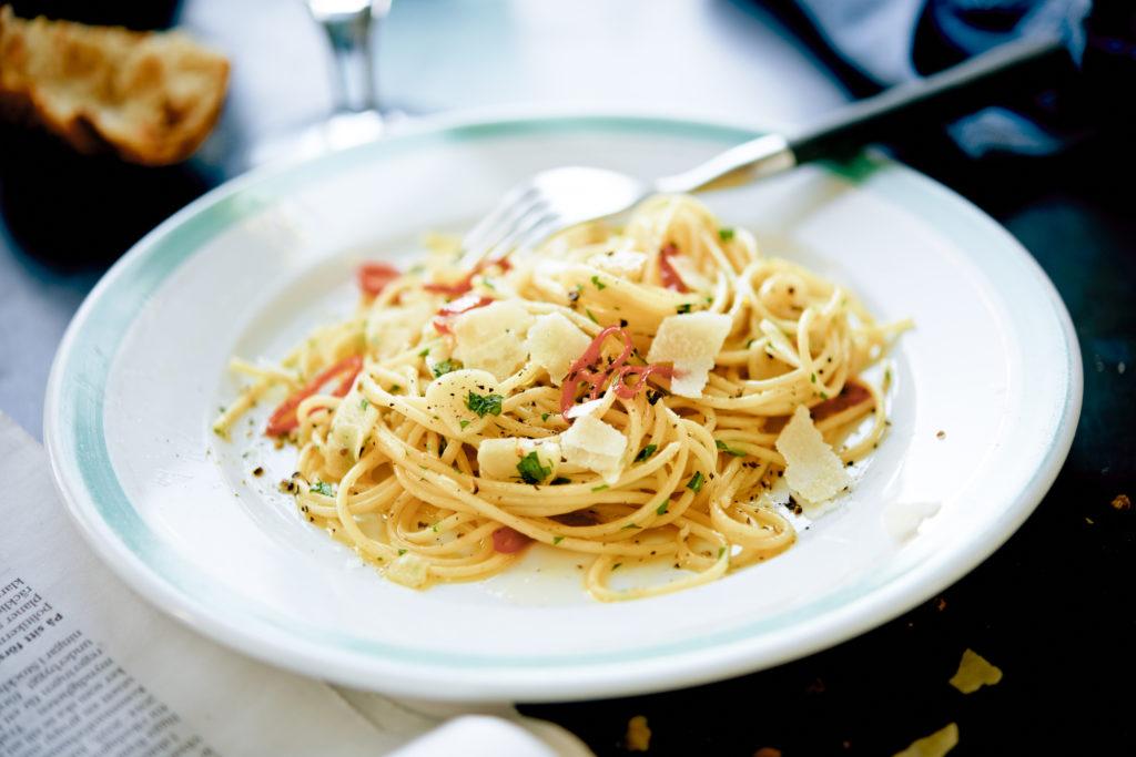 Recept från Zeta. Spaghetti_med_vitlök_och_chili_st