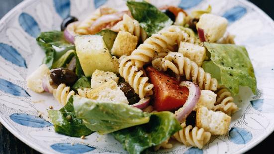 Recept från Zeta. Pastasallad_tomat_rodlok_oliver