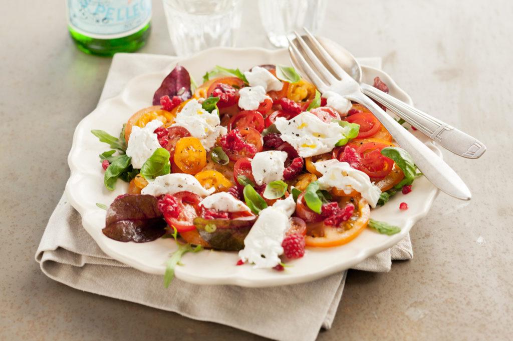 Recept från Zeta. tomatcarpaccio_med_burrata_och_hallon