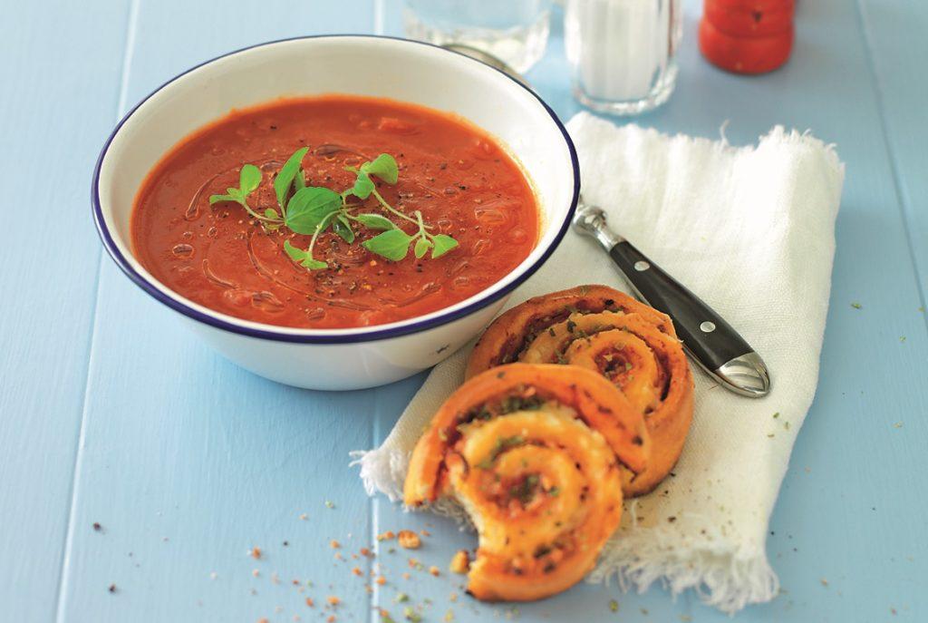 Recept från Zeta. Tomatsoppa med pizzabullar.