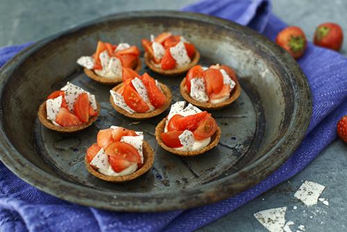 Recept från Zeta: Jordgubbstart med tomat, svartpeppar och olivolja