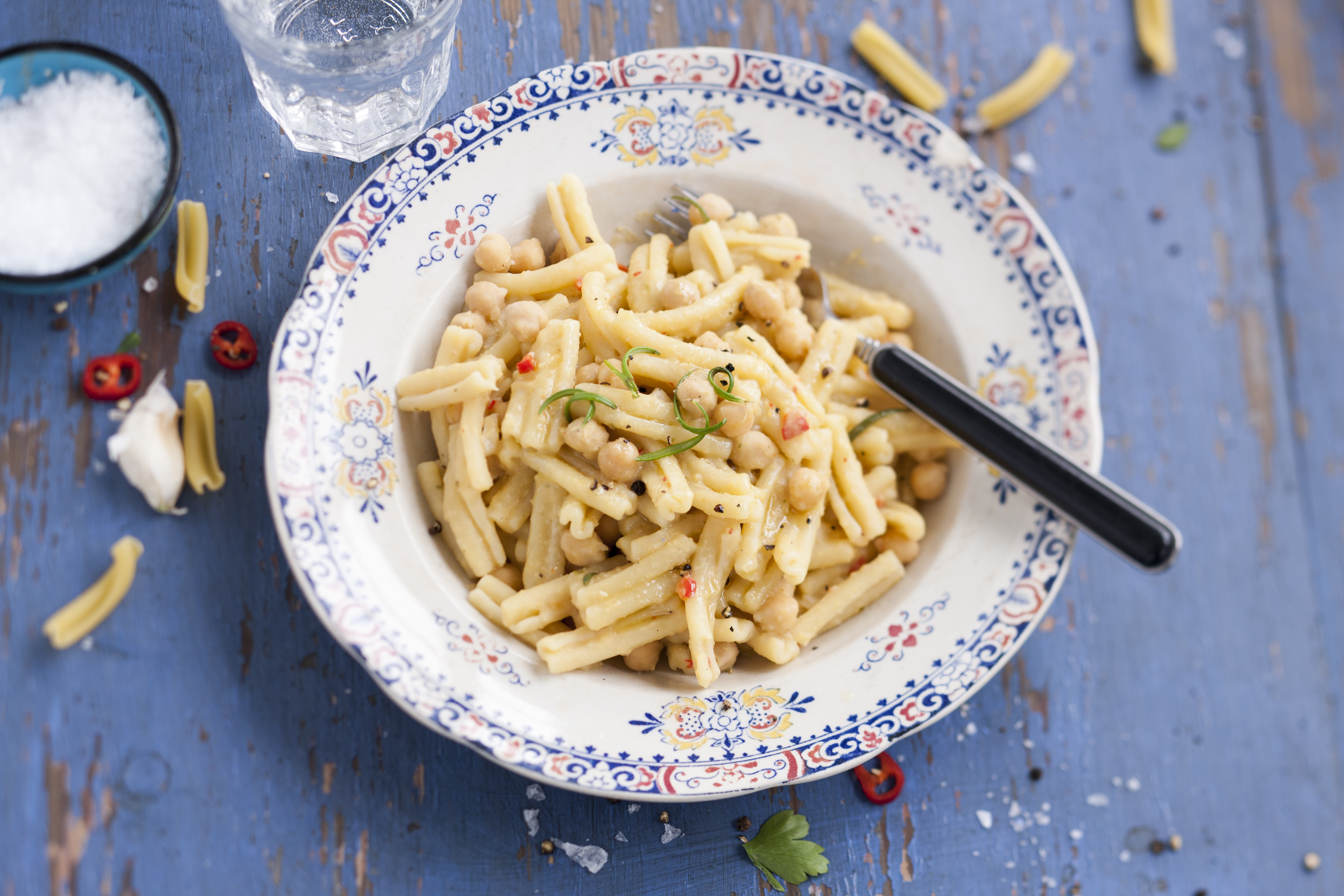 pasta med kikärtssås