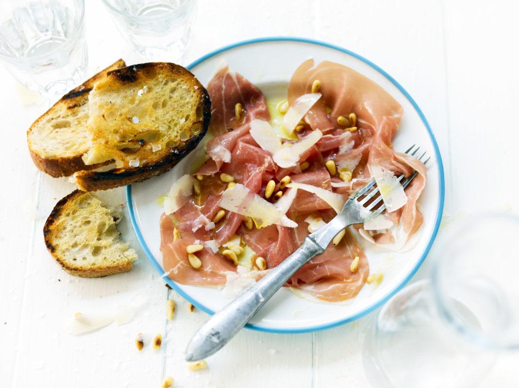 Recept från Zeta. Prosciutto di Parma med parmesanost