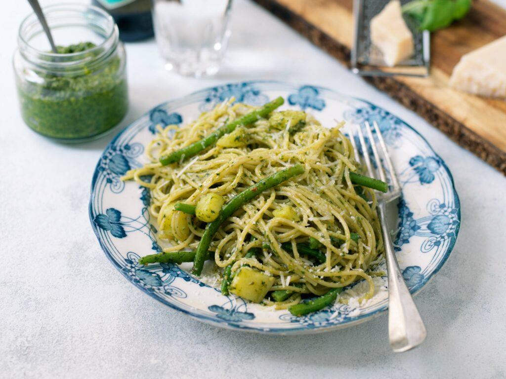 Recept från zeta.nu Pasta med hemlagad Pesto