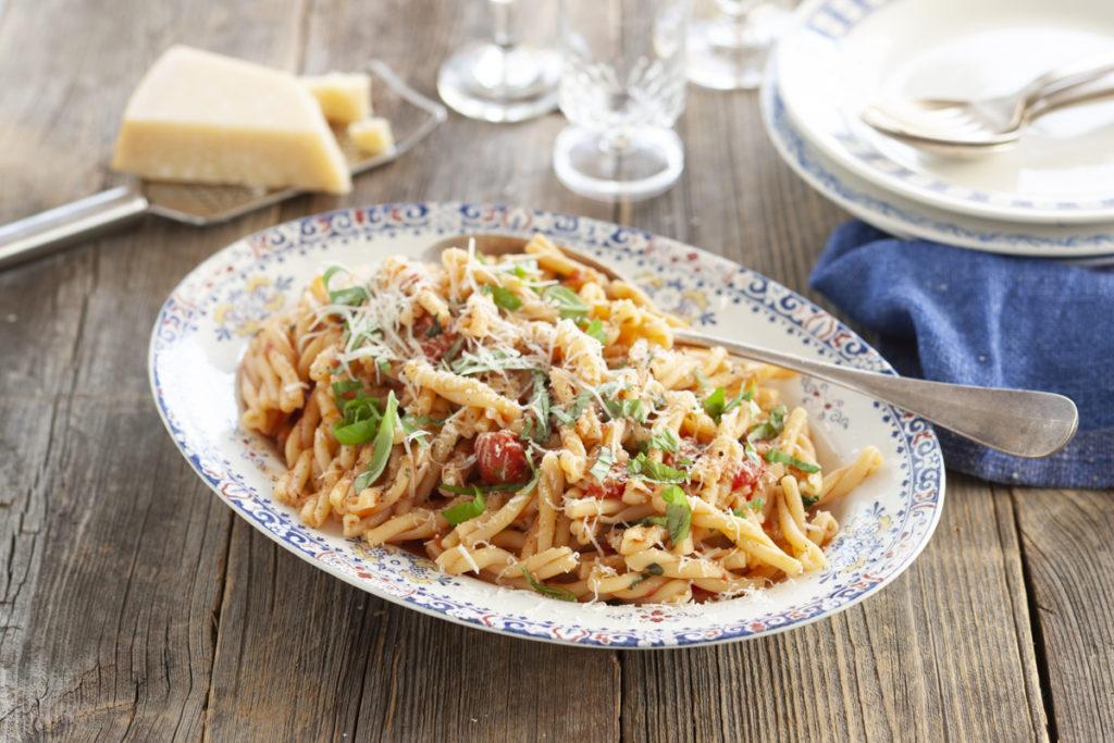 Recept från zeta.nu pasta med italiensk tomatsås