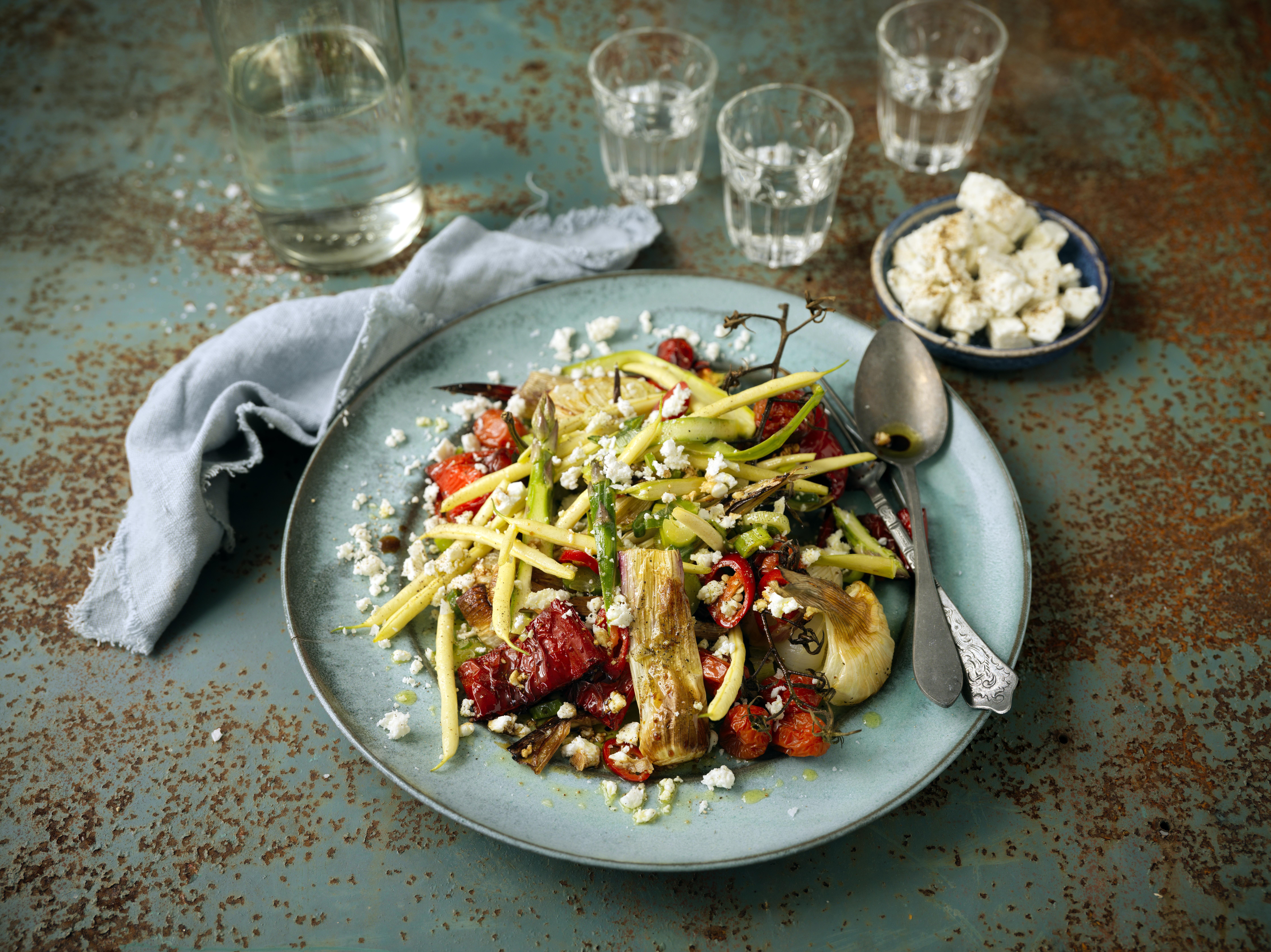 Rostade grönsaker med smulad fetaos