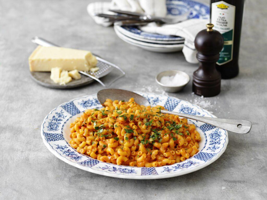 Klicka här för recept på Maccaronetti med tomat och paprikasås