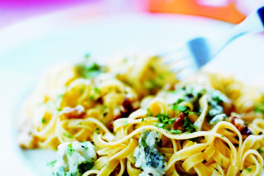 Recept från Zeta. Pasta_med_gorgonzola_och_valnötter_st