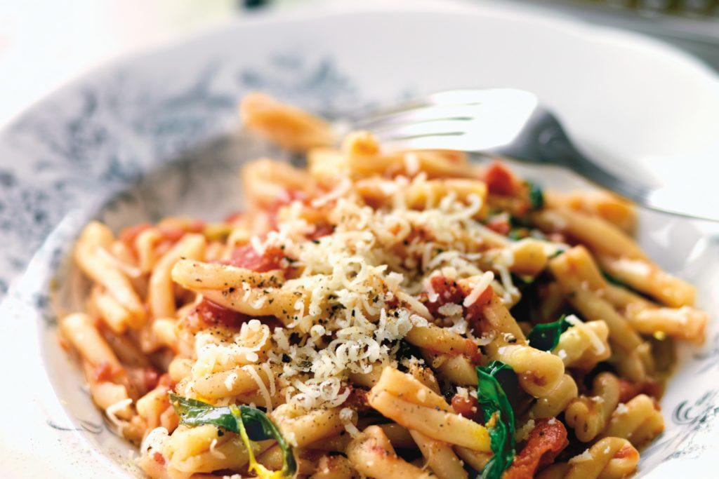 pasta basilika recept