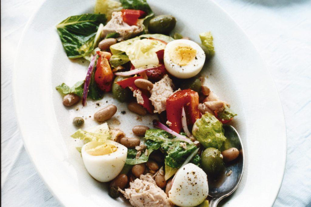 Recept från Zeta: Tonfisksallad med borlottibönor och ägg