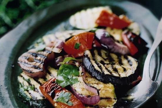 Recept från Zeta: Grillade grönsaker i vitlöksvinägrett