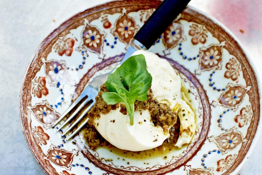 Recept från Zeta: Mozzarella med pesto