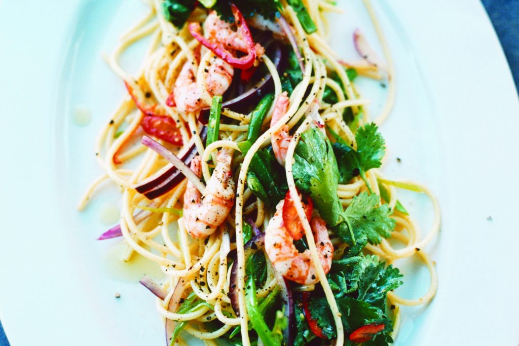 Recept från Zeta: Asiatisk spaghettisallad med räkor