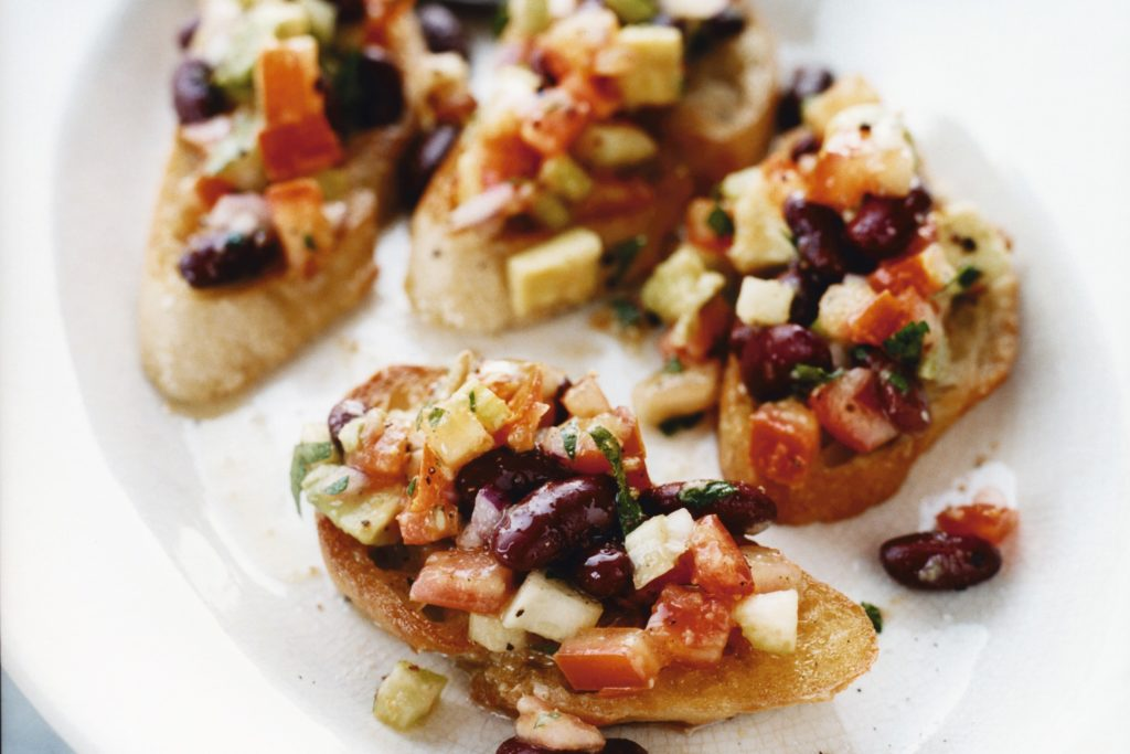 Recept från Zeta: Bruschetta med bönor och avokado