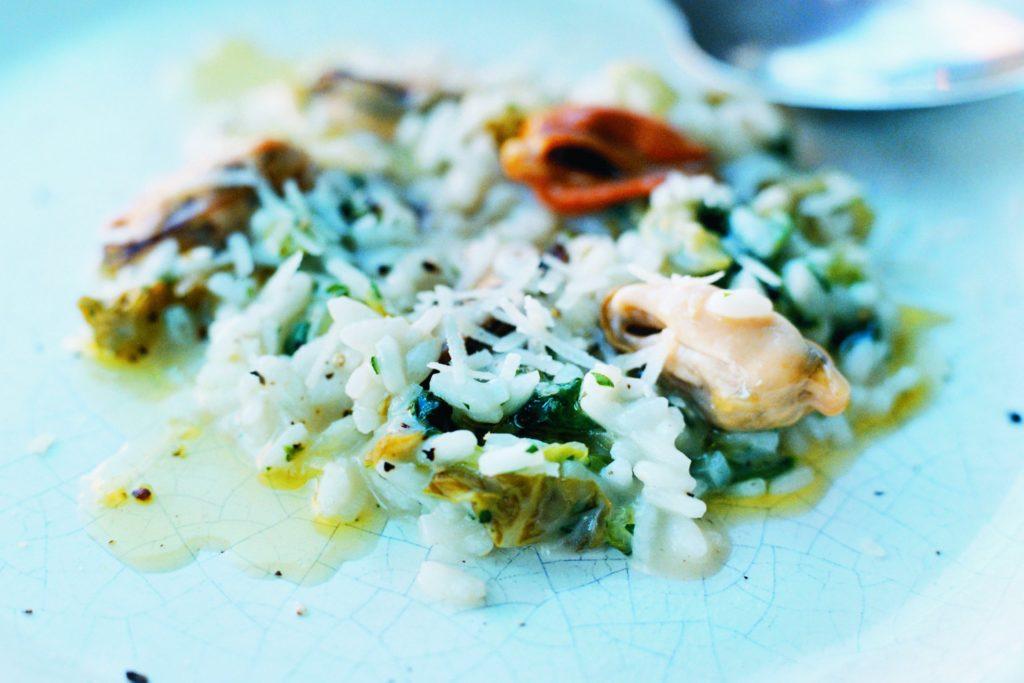 Recept från Zeta: Risotto med blåmusslor och gemsallad