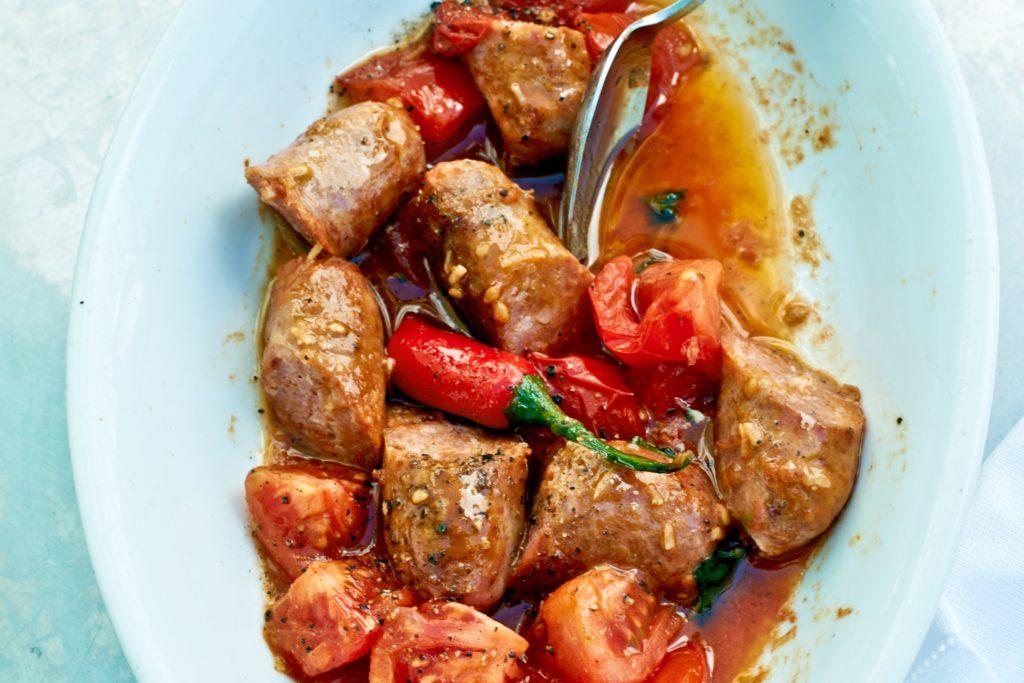 Recept från Zeta: Salsiccia med tomater, vitlok och basilika