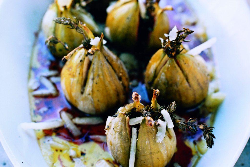 Recept från Zeta: Ugnsbakade fikon med timjan, hallonbalsamico och pecorino