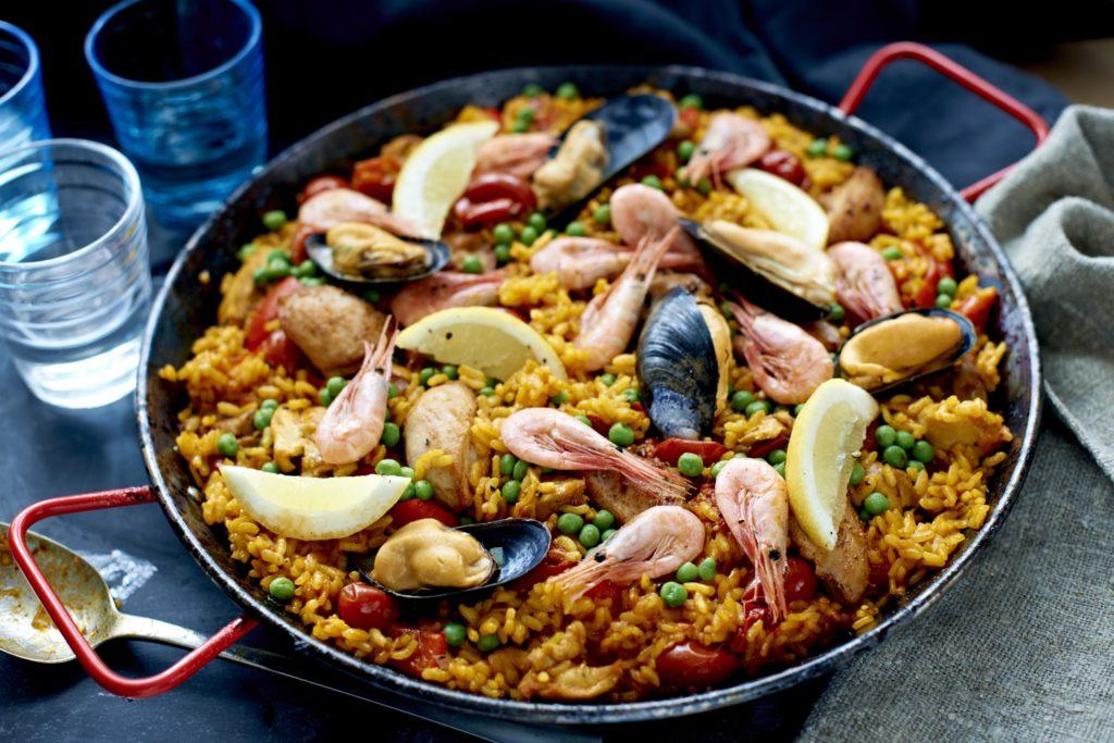 Recept från Zeta. Paella_med_musslor_och_räkor_li