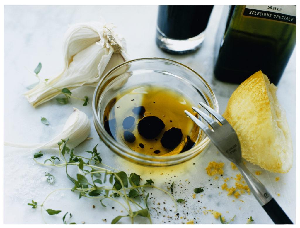 Recept från Zeta. Vinägrett_med_timjan_vitlök_och_citron_li