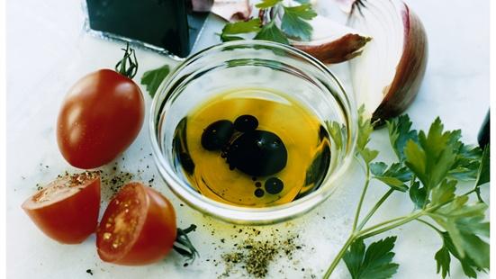 Recept från Zeta. Vinagratt_med_tomat_rodlok_och_persilja