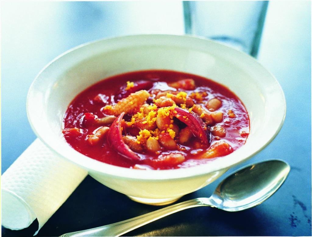 Recept från Zeta: Tomat- och bönsoppa med apelsin