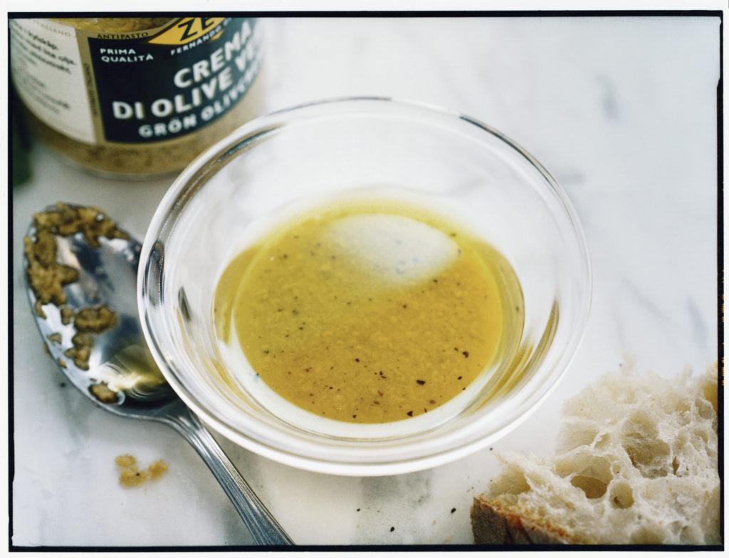 Recept från Zeta: Vinägrett med gröna oliver