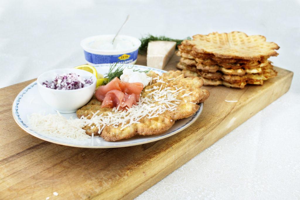 Recept från Zeta: Våfflor med lax och parmesan