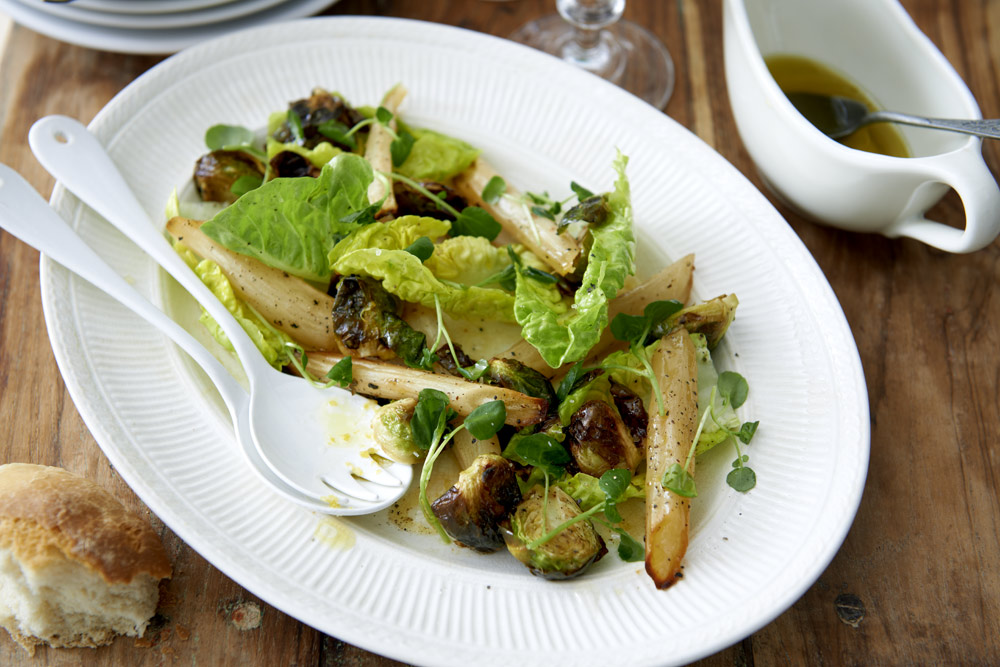 Recept från Zeta: Varm sallad med ugnsrostad brysselkål och pesto