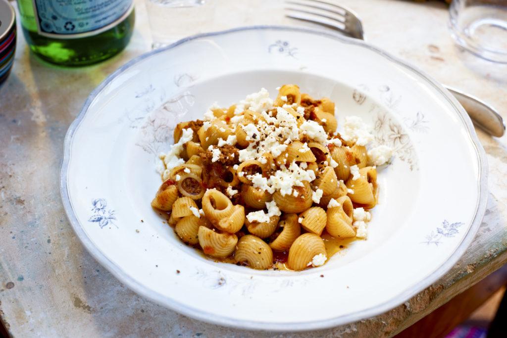 Recept från Zeta: Pipette Rigate med köttfärssås toppad med feta