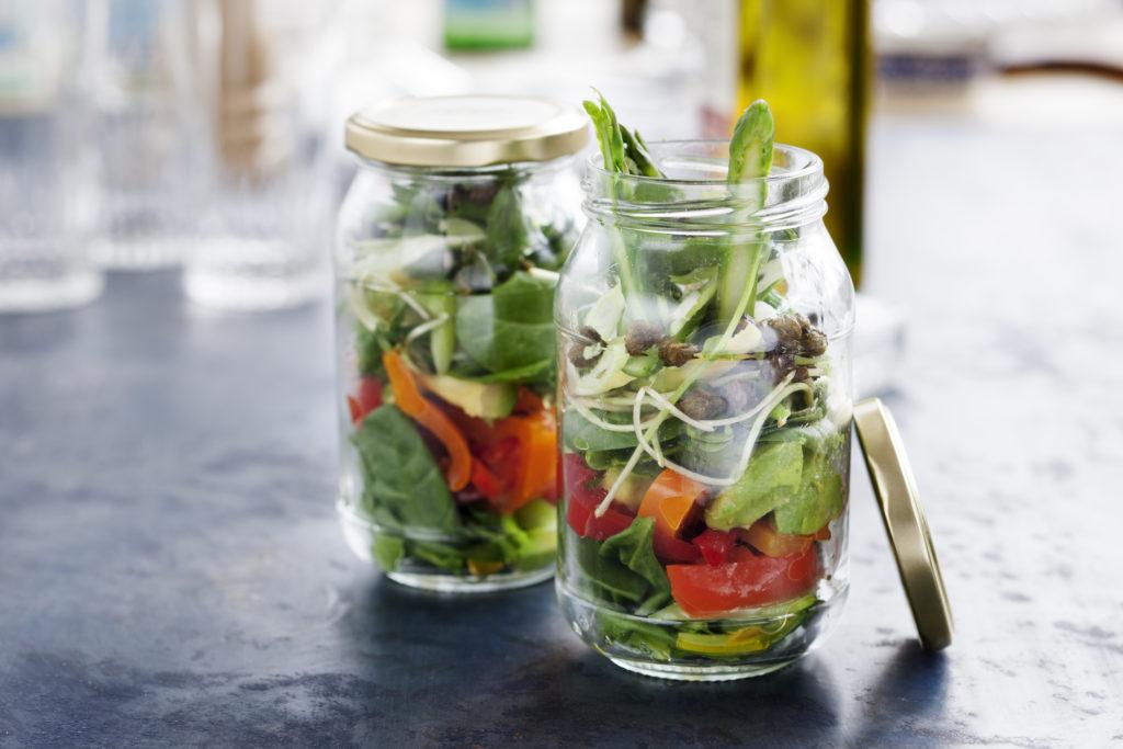 Recept från Zeta: Sallad i burk med avocado och sparris