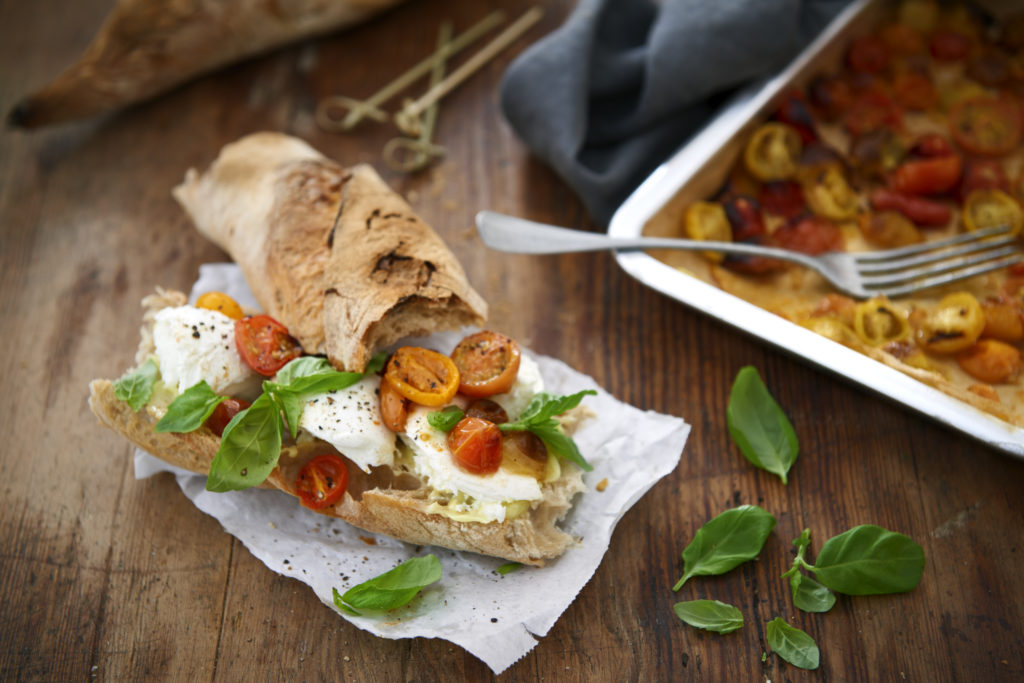 Recept från zeta.nu Baguette med mozzarella och ugnsbakade tomater