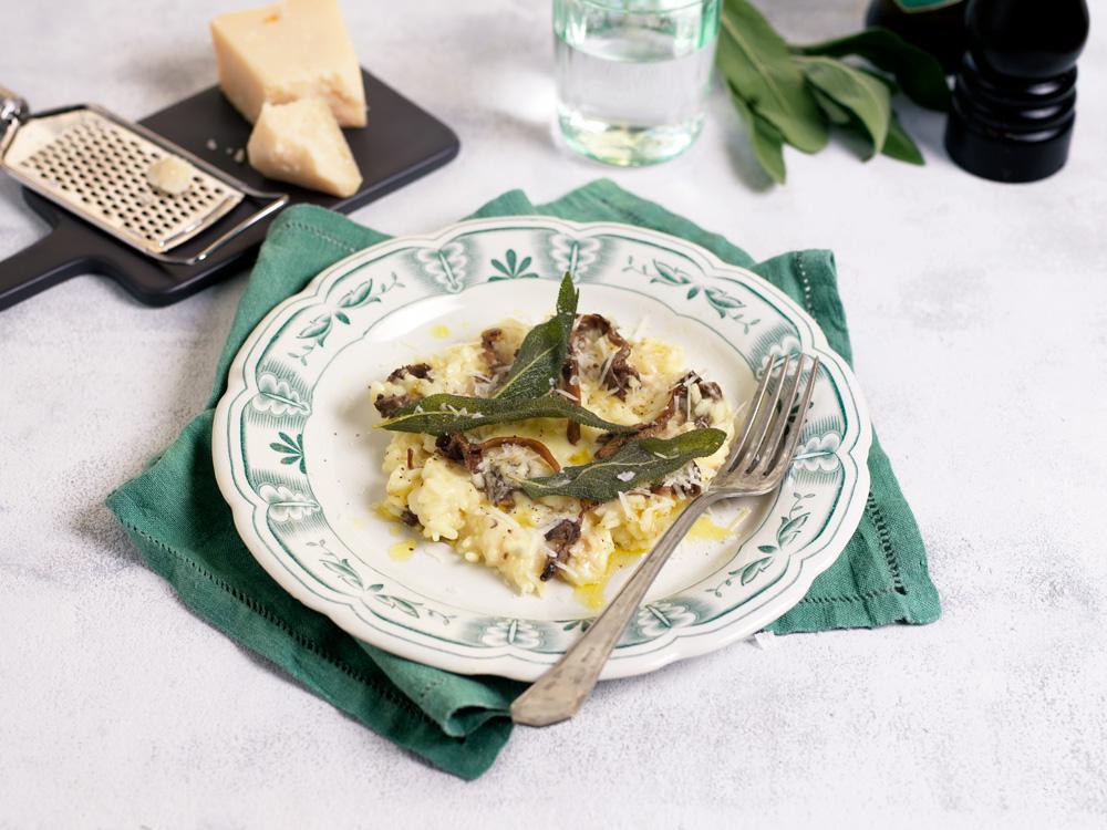 Recept från zeta.nu Svamprisotto med taleggio och friterad salvia