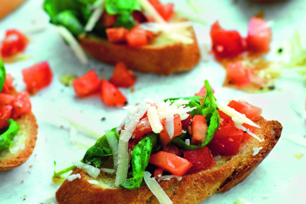 Recept från Zeta. Bruschetta_med_tomat_basilika_och_parmesan_st.jpg