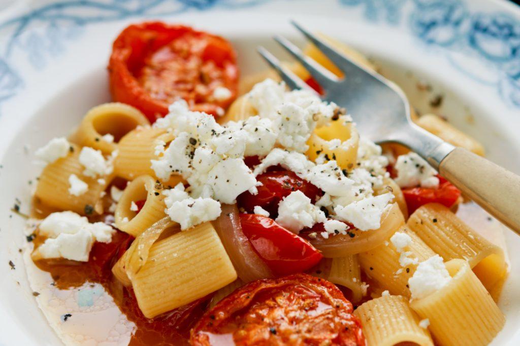 Recept från Zeta. Mezze_Maniche_med_getost_och_tomater