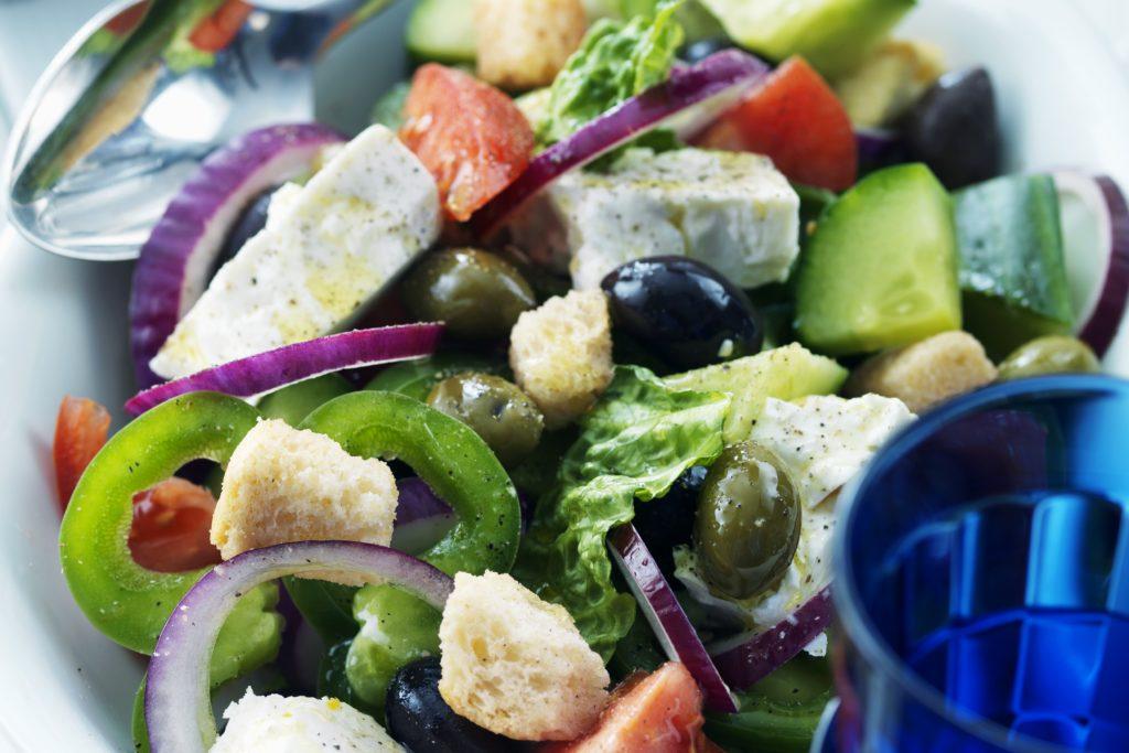 Recept från Zeta. grekisk_sallad_med_krutonger