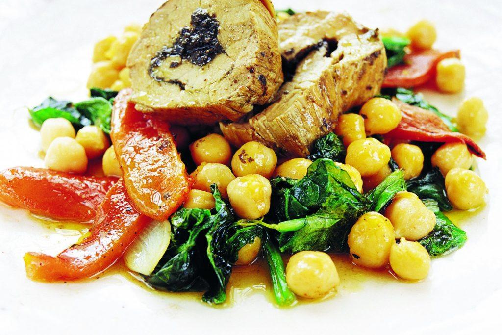 Recept från Zeta: Fläskfilé med tapenade och varma grönsaker