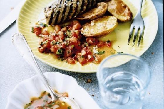 Recept från Zeta: Lammfärsspett med fetaost och tomatsalsa
