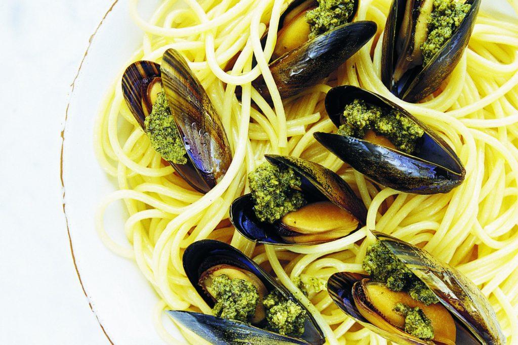 Recept från Zeta: Pestogratinerade musslor på 5 minuter