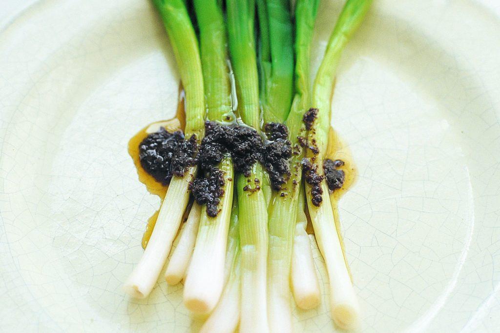 Recept från Zeta: Primör med Olivecremevinägrett