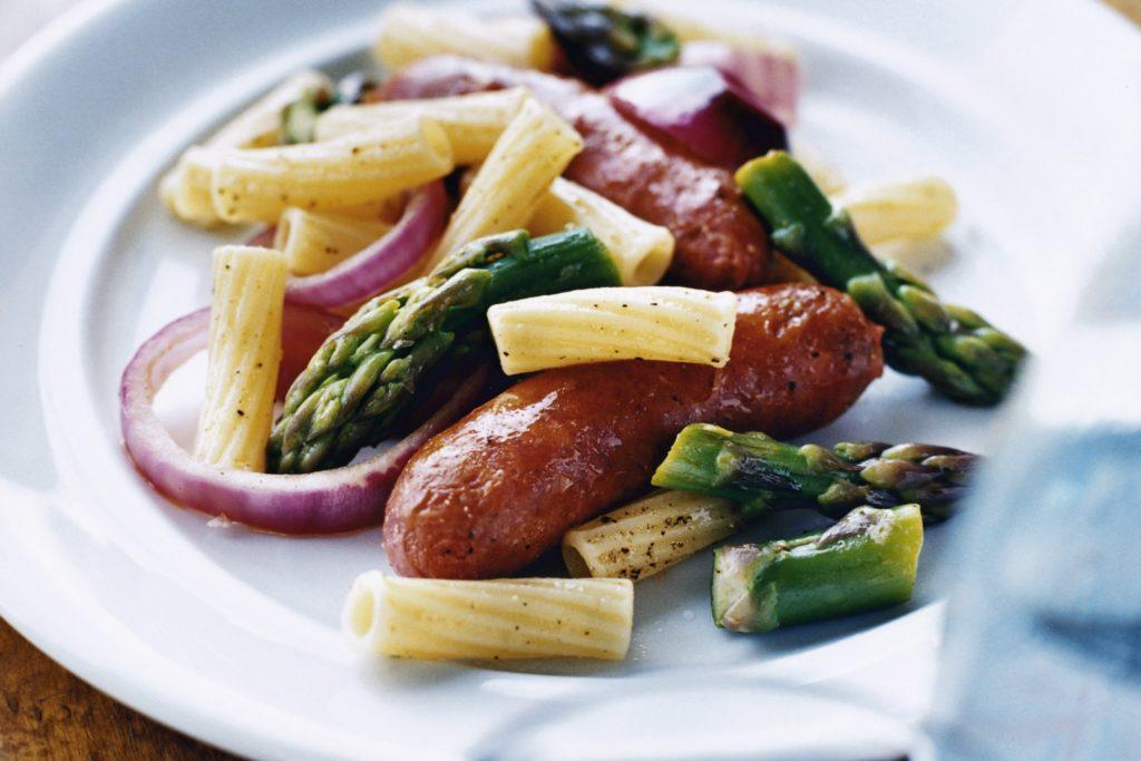 Recept från Zeta: Pasta med chorizo, rödlök och sparris